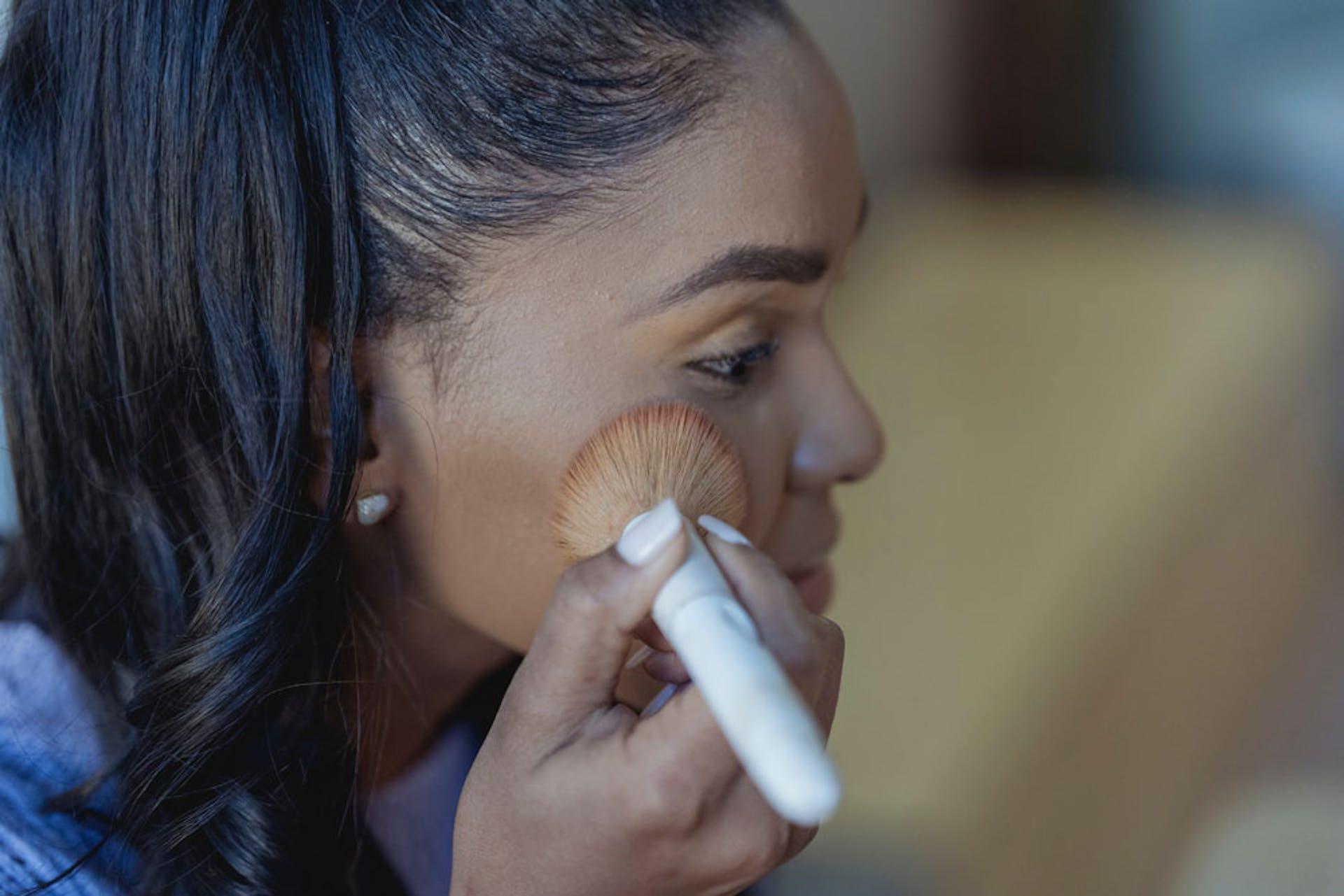 Maquillaje para piel morena: ¡luce más radiante que nunca!