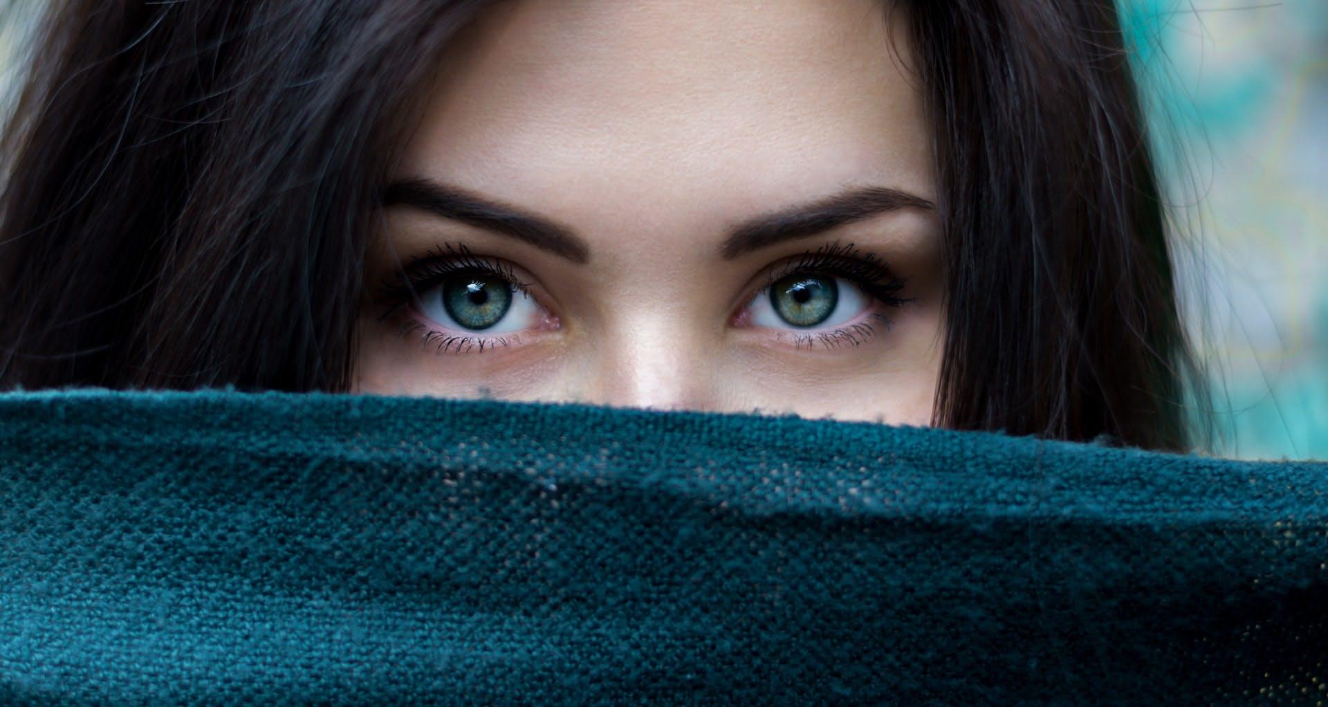 ¿Cuál es la forma de tus ojos? Los trucos para maquillarte y robarte todas las miradas