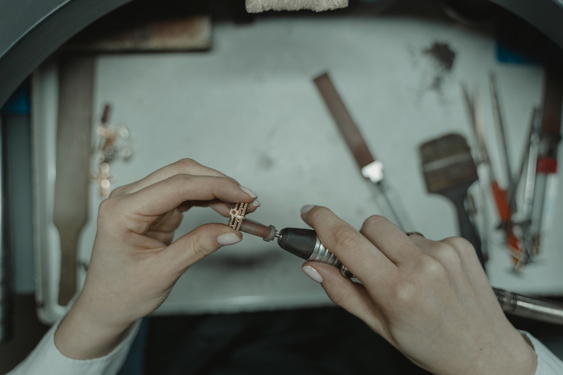 Herramientas para joyería artesanal con las que crearás accesorios de colección