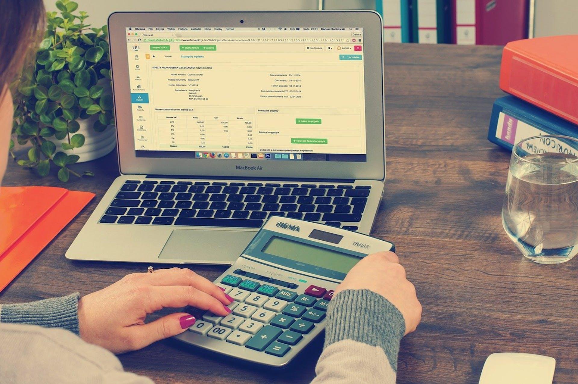 ¿Cómo llevar la contabilidad de un negocio? tips para triunfar