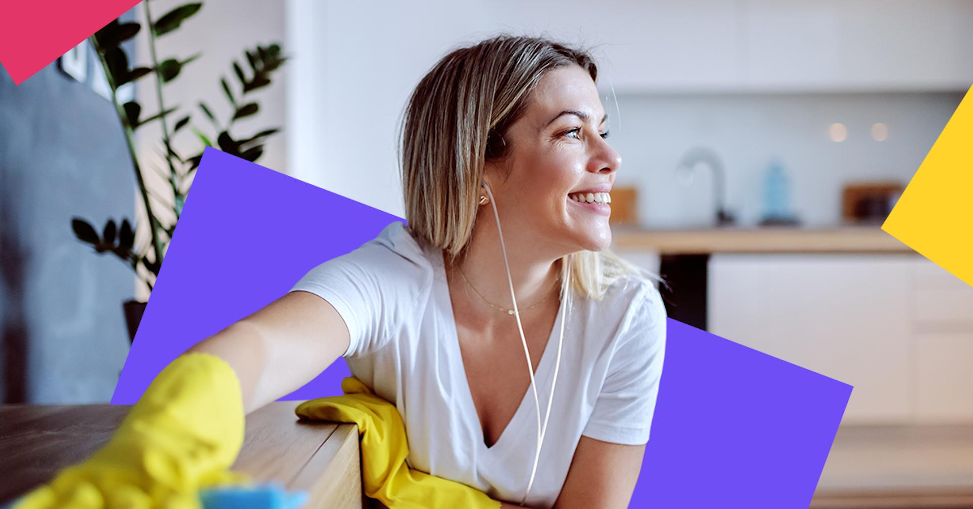 Crehana Podcasts que puedes escuchar mientras limpias tu casa
