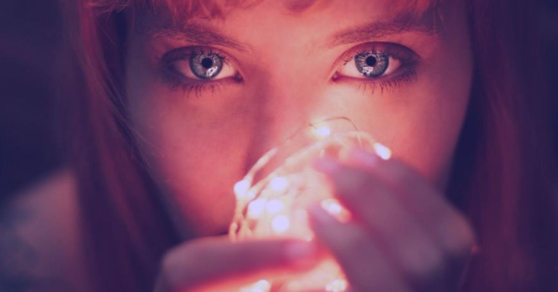 ¡Luces, cámara, y más luz!  Aprende qué es la luz incidente