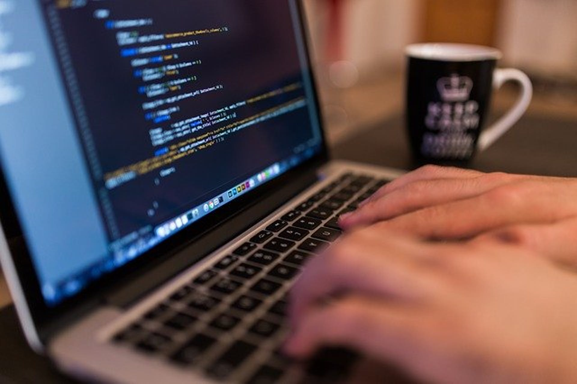 ¿Quieres hacer carrera de programador? Esto es lo que debes saber