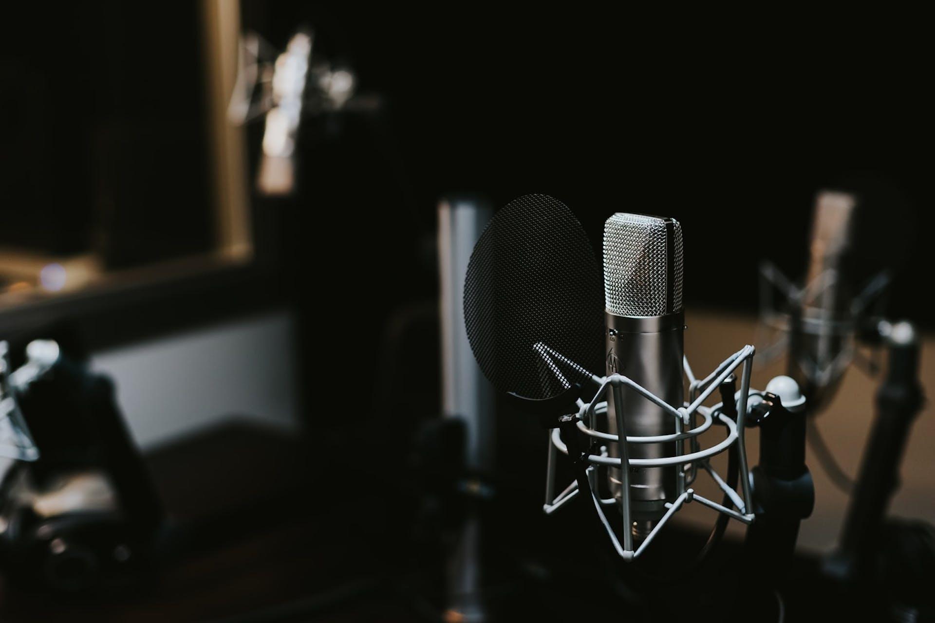 ¿Cómo hacer un guion de radio? La guía definitiva que tu alma de locutor estaba buscando