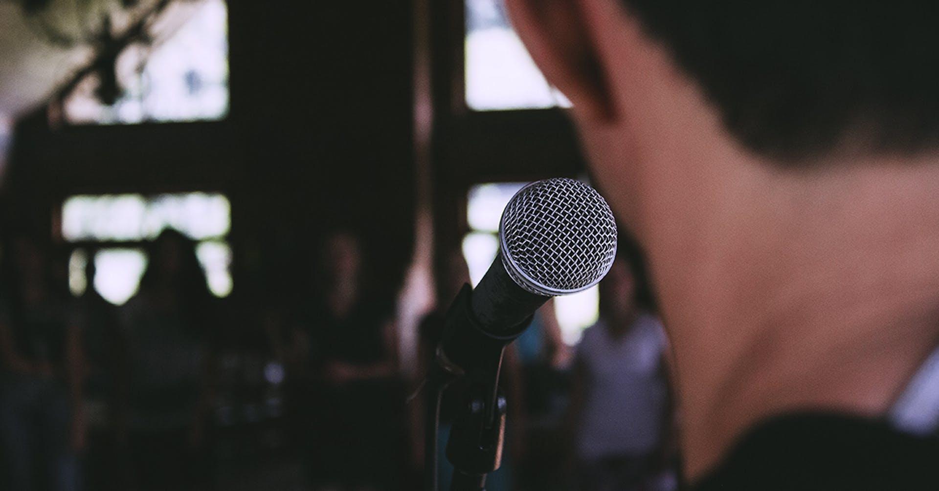 ¿Cómo hacer un discurso memorable que sorprenda a tu audiencia?
