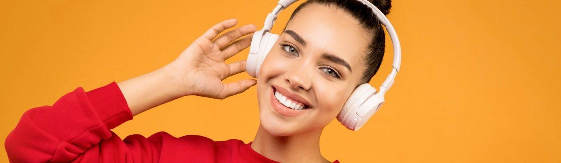 10 podcast en inglés que todo estudiante de idiomas debe escuchar