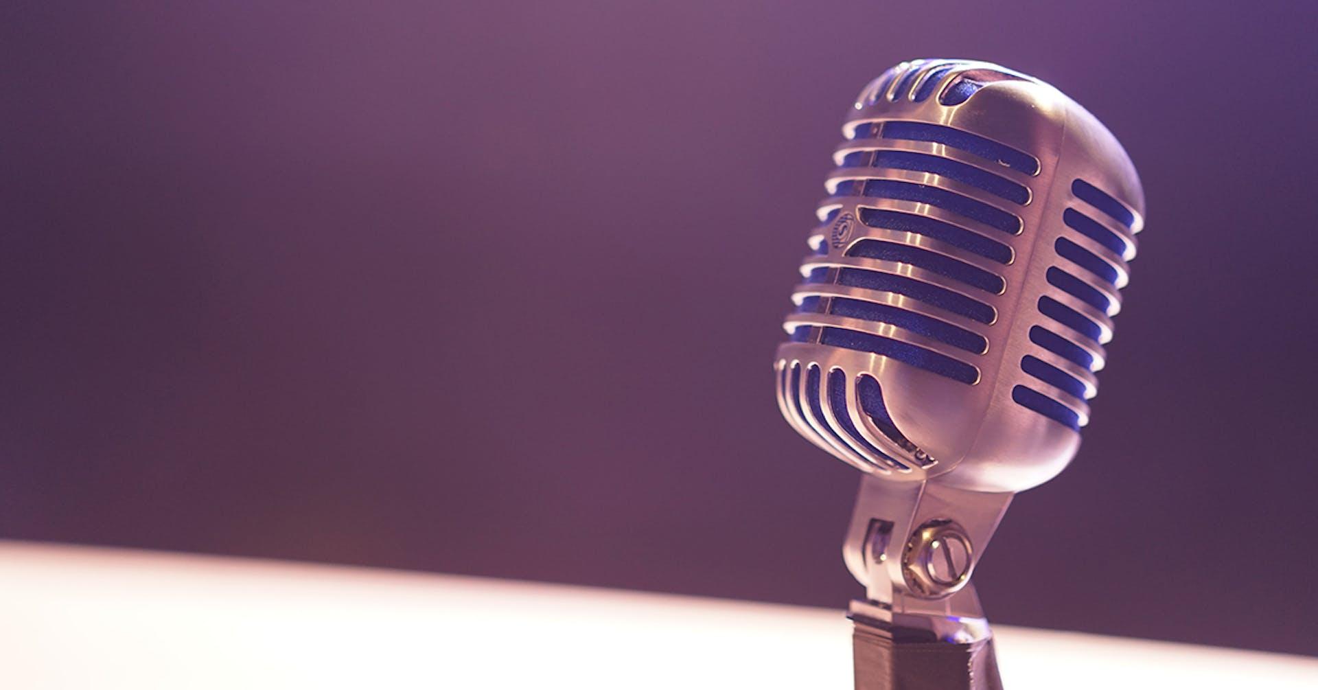 ¿Cómo se escribe un programa de radio? Aprende con esta guía básica