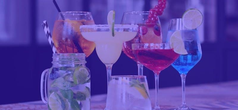 +5 recetas de cócteles sencillos que no te deben faltar para disfrutar de un buen fin de semana