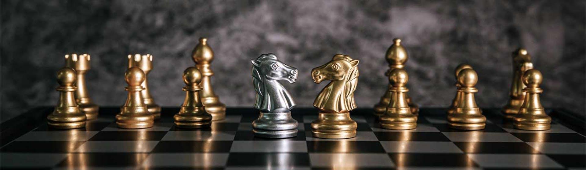 El caballo de ajedrez: ¿qué representa y cómo moverlo en tu tablero de ajedrez?
