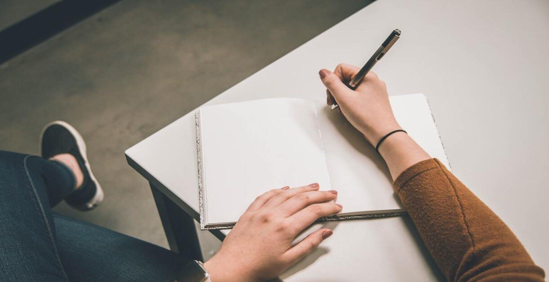 Descubre cómo aprender a escribir en cursiva y rescata el estilo vintage