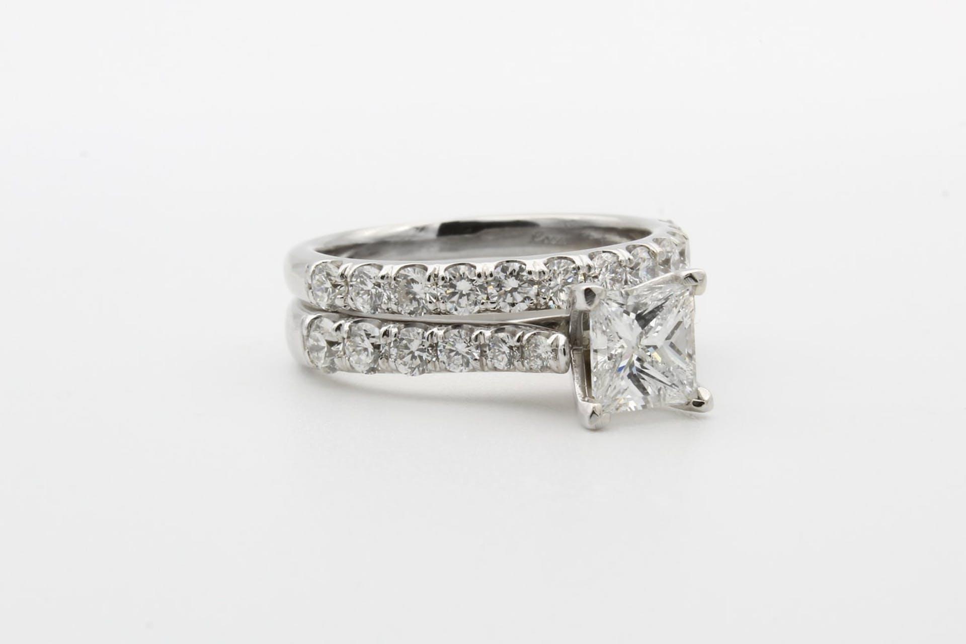 ¿Qué es el rodio en joyería? ¡Haz que tus joyas brillen para siempre!