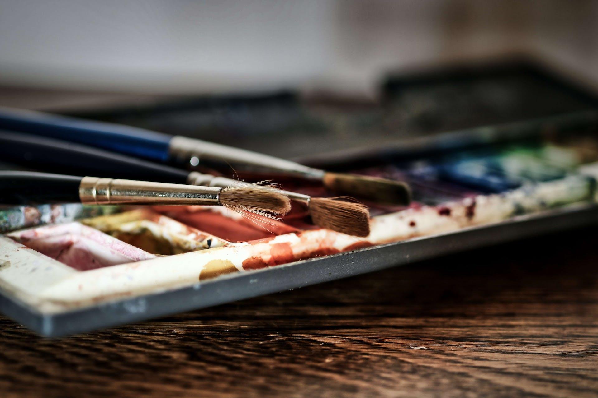 ¡Aprende cómo usar acuarelas en pastilla y haz lucir como nunca tu lado artístico!