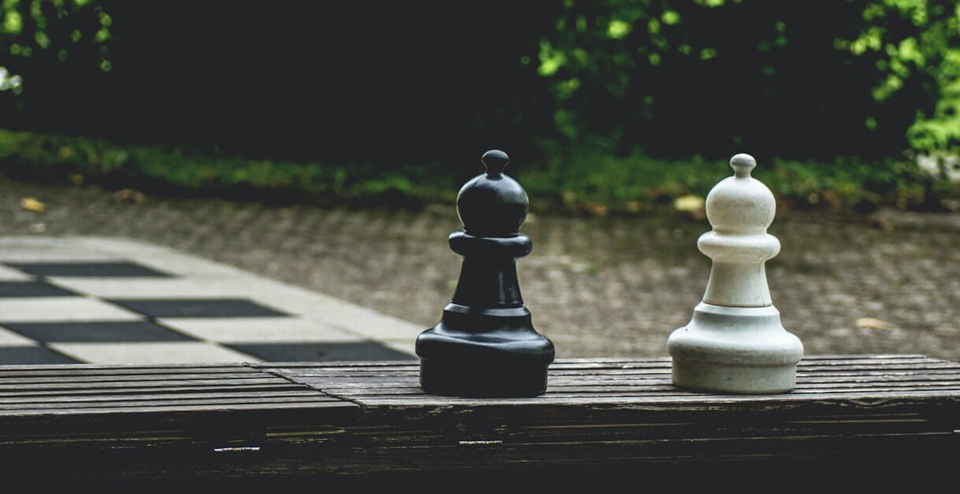 Descubre el significado del alfil en el ajedrez, la pieza de largo alcance