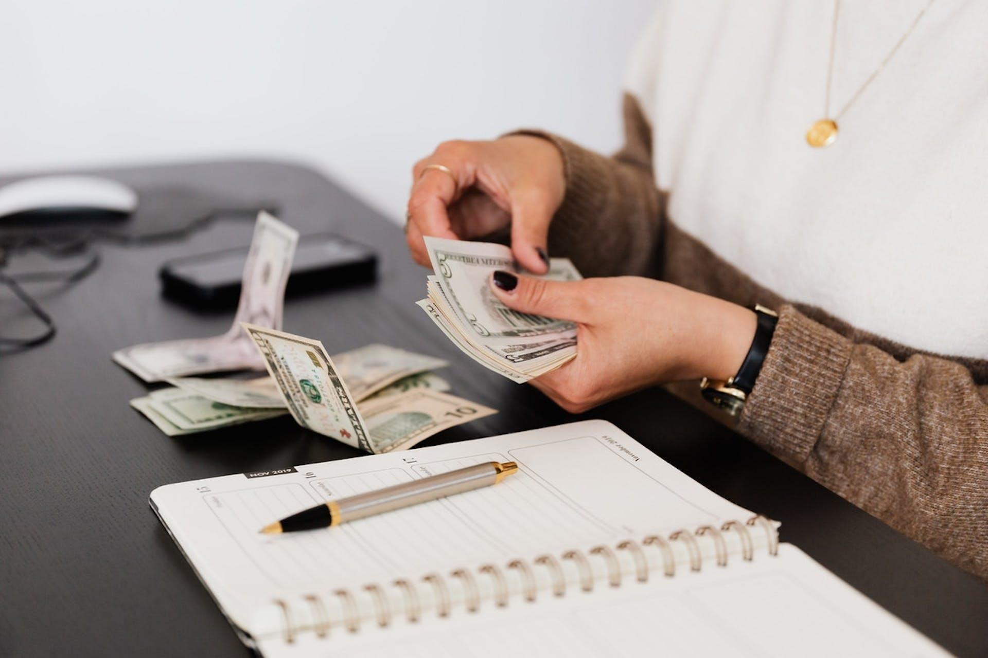 ¡Conoce las mejores formas de guardar dinero y libérate de las preocupaciones!